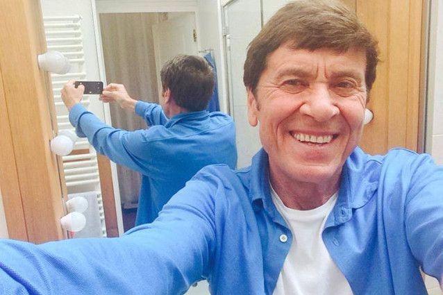 Morandi Selfie