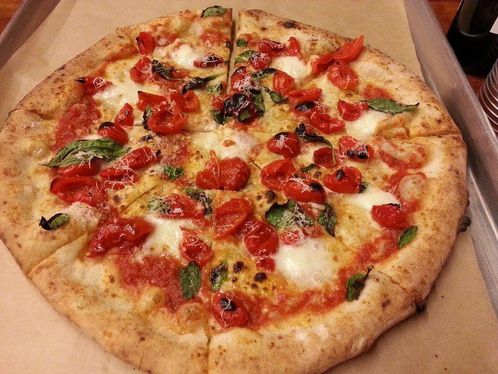 Ruba una pizza e salda il conto dopo 13 anni
