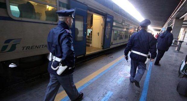 Bologna: lascia la valigia con un milione di gioielli sul treno, recuperata a Milano