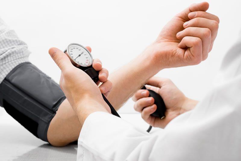 Pressione bassa: cause, sintomi e rimedi
