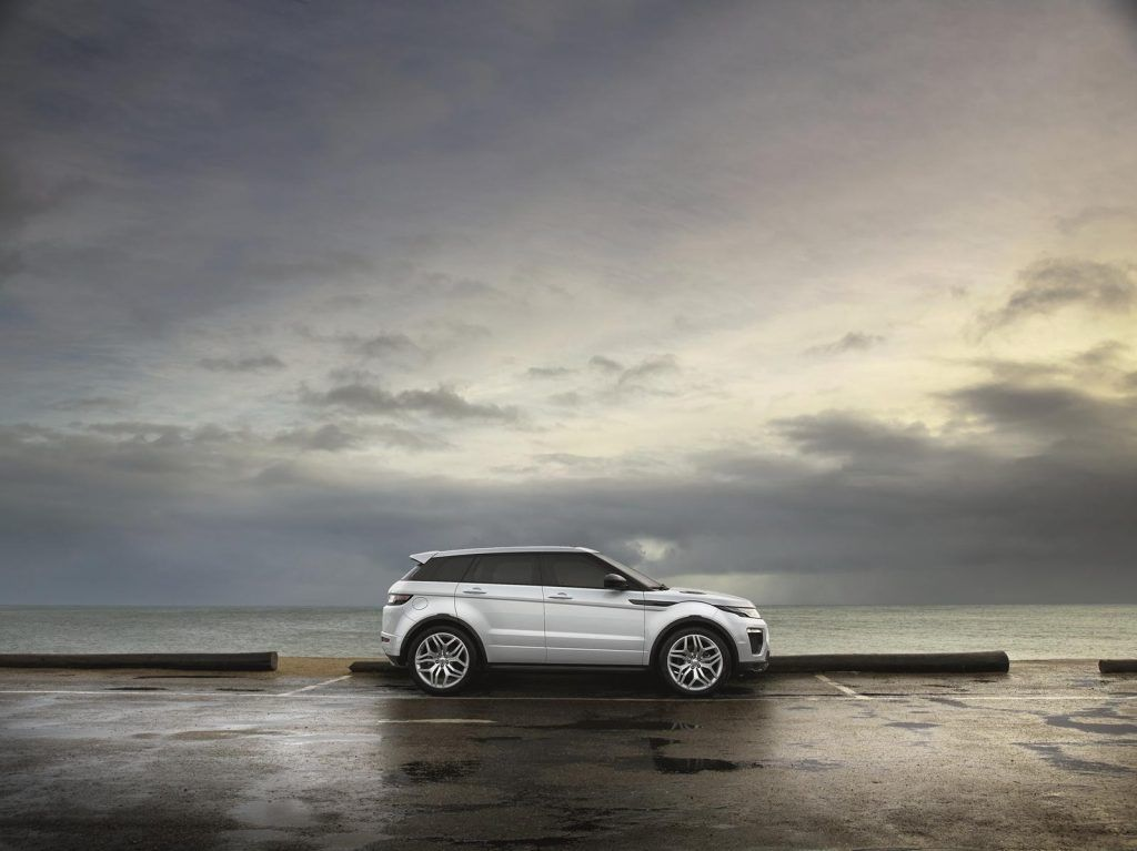Range Rover Evoque fiancata 1024x767