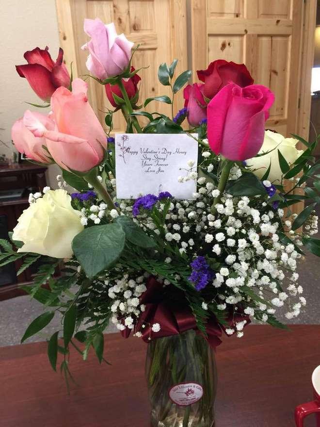 Riceve i fiori a San Valentino, ma il marito è morto 8 mesi prima