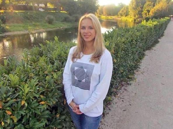 iPhone 4 killer? Giovane russa uccisa dallo smartphone caduto nella vasca da bagno