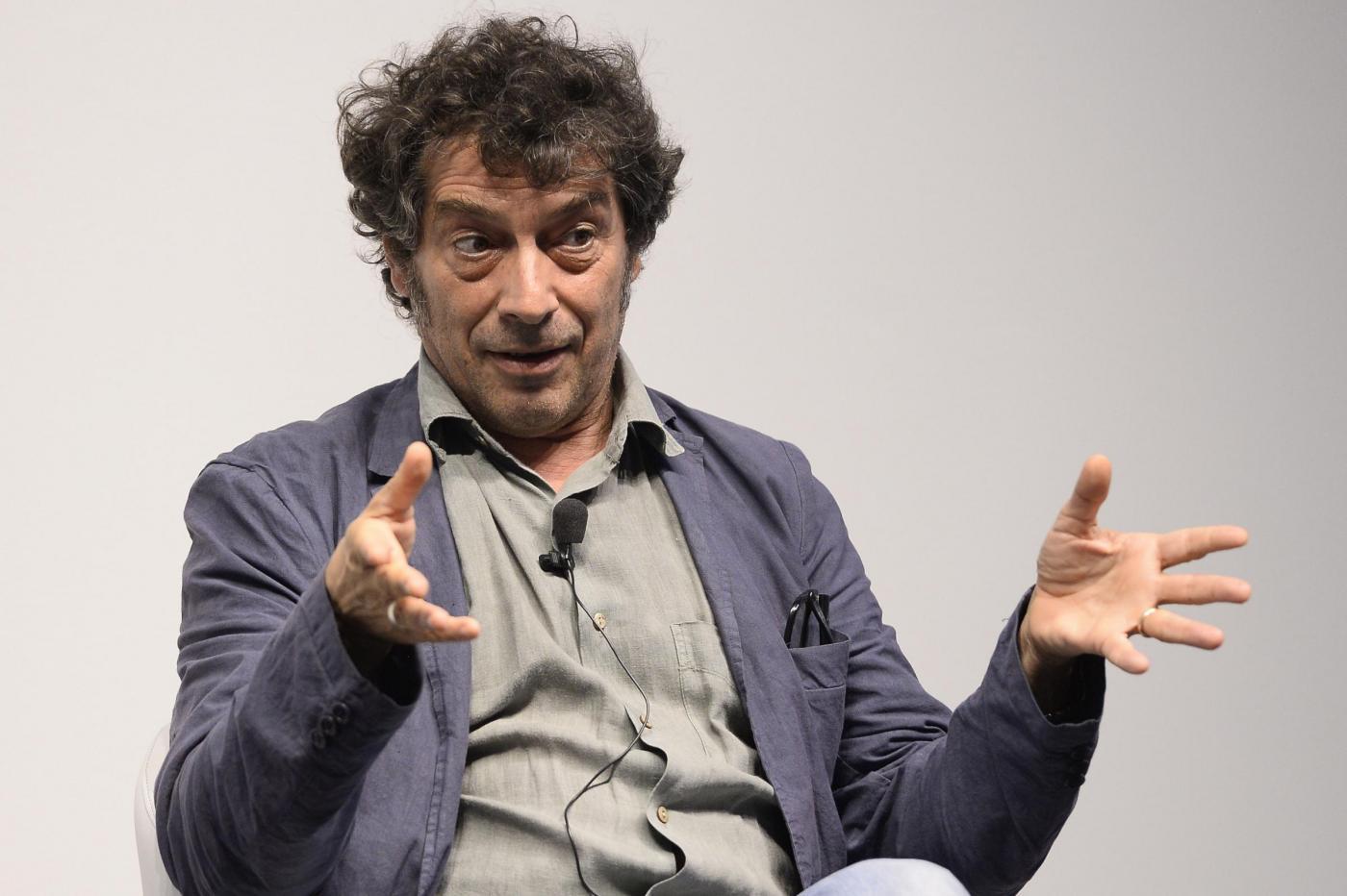 Intervista al Premio Strega Sandro Veronesi: 'Il mondo non è grande, è piccolo'