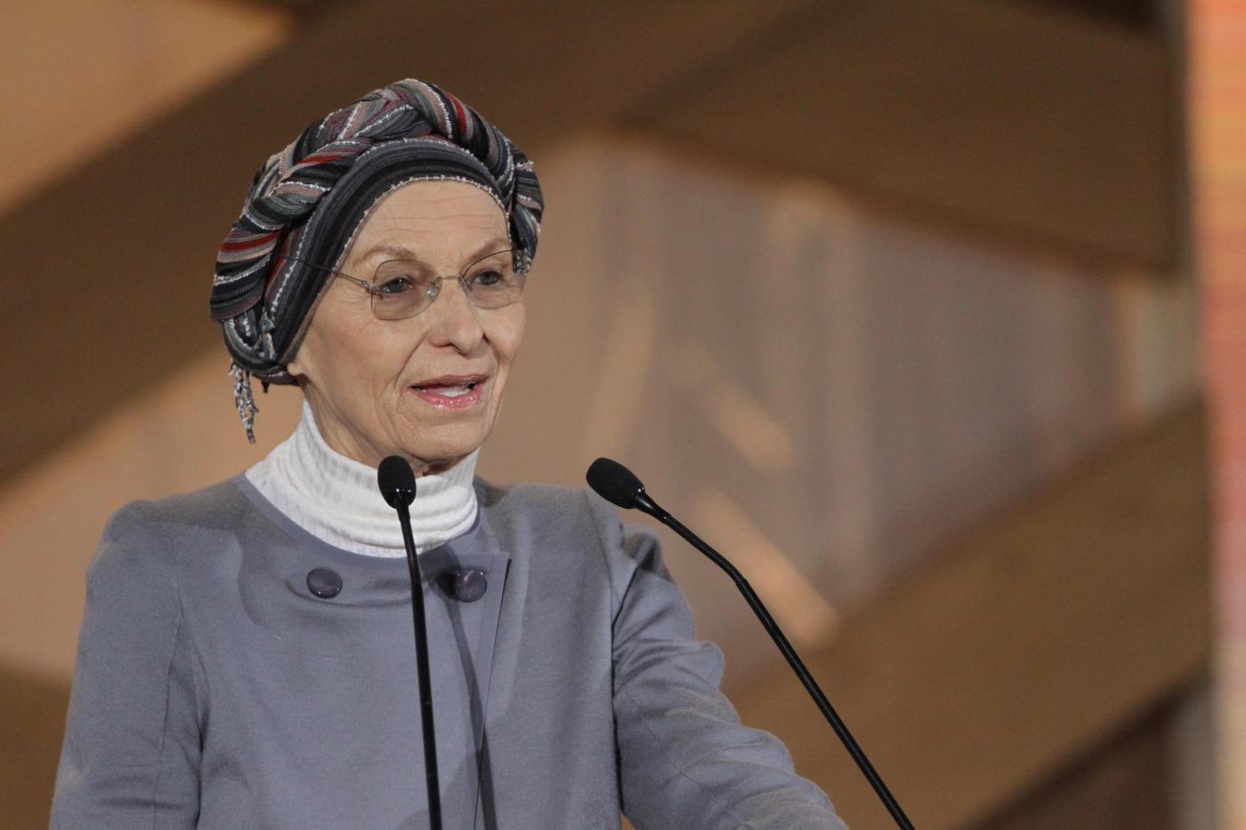 Emma Bonino è guarita dal tumore al polmone: «Non sono il mio cancro»