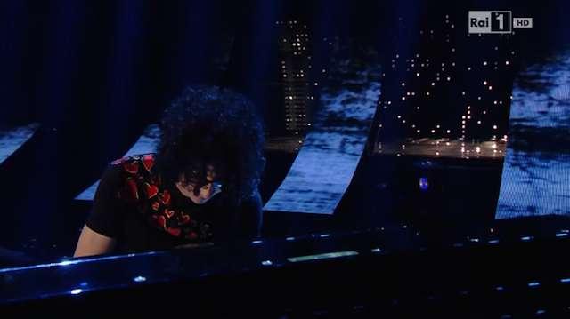 Giovanni Allevi a Sanremo 2015 presenta il suo nuovo brano 'Loving you'