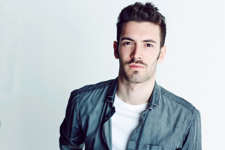 Giovanni Caccamo al Festival di Sanremo 2015 con 'Ritornerò da te': l'intervista