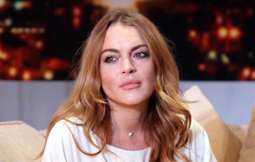 Lindsay Lohan news: l'attrice e la madre denunciano un conduttore di Fox News per diffamazione