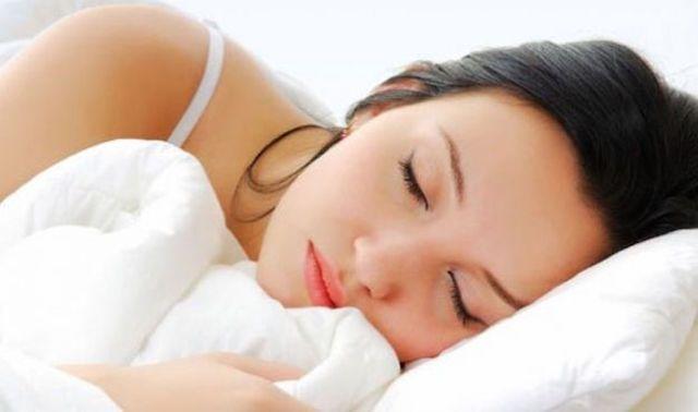 Quanto bisogna dormire? Una tabella indica le ore