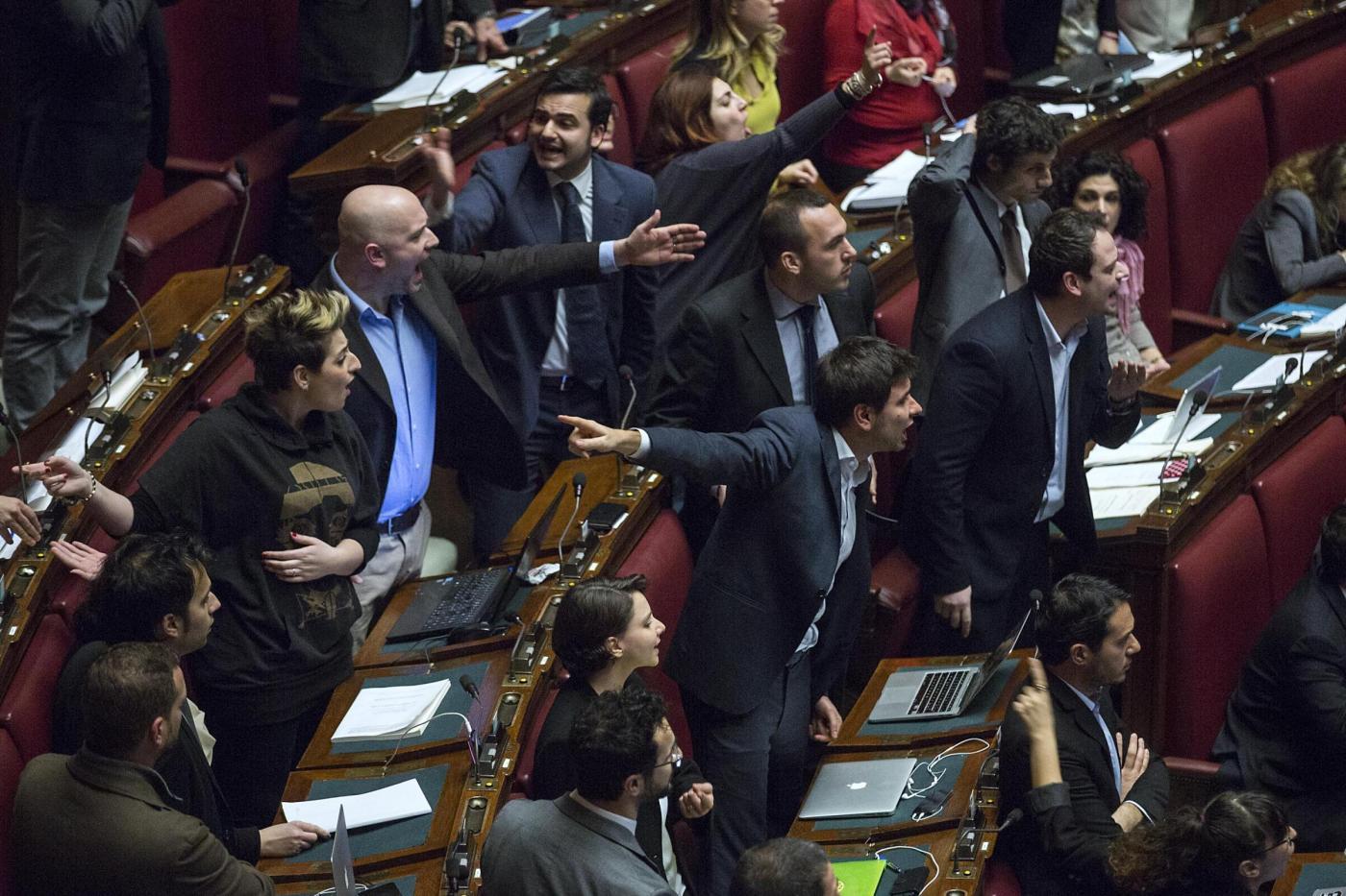 Riforme di Renzi: opposizioni contro il Premier ma lui va avanti in maratona notturna
