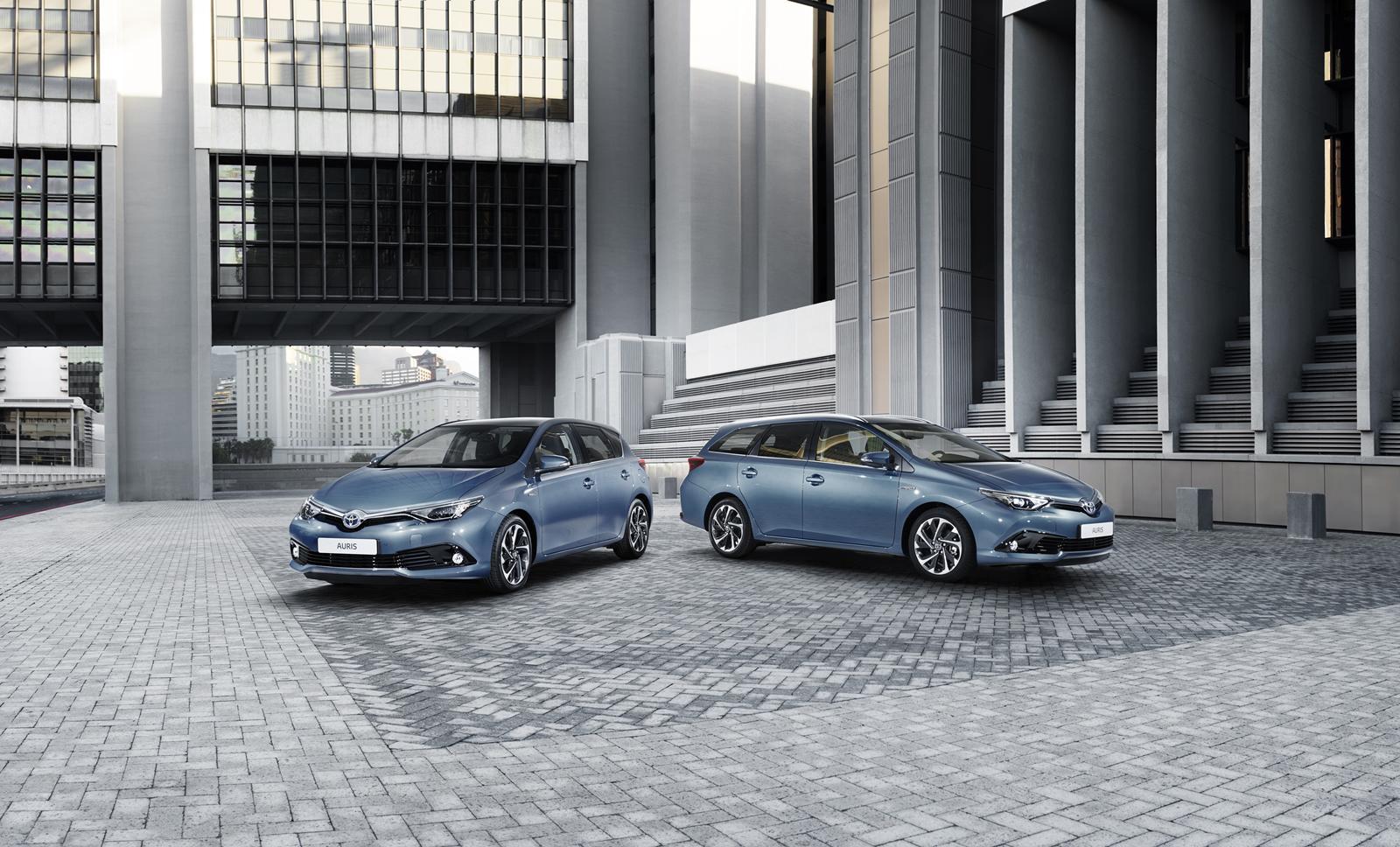 Toyota Auris 2015: motori e scheda tecnica