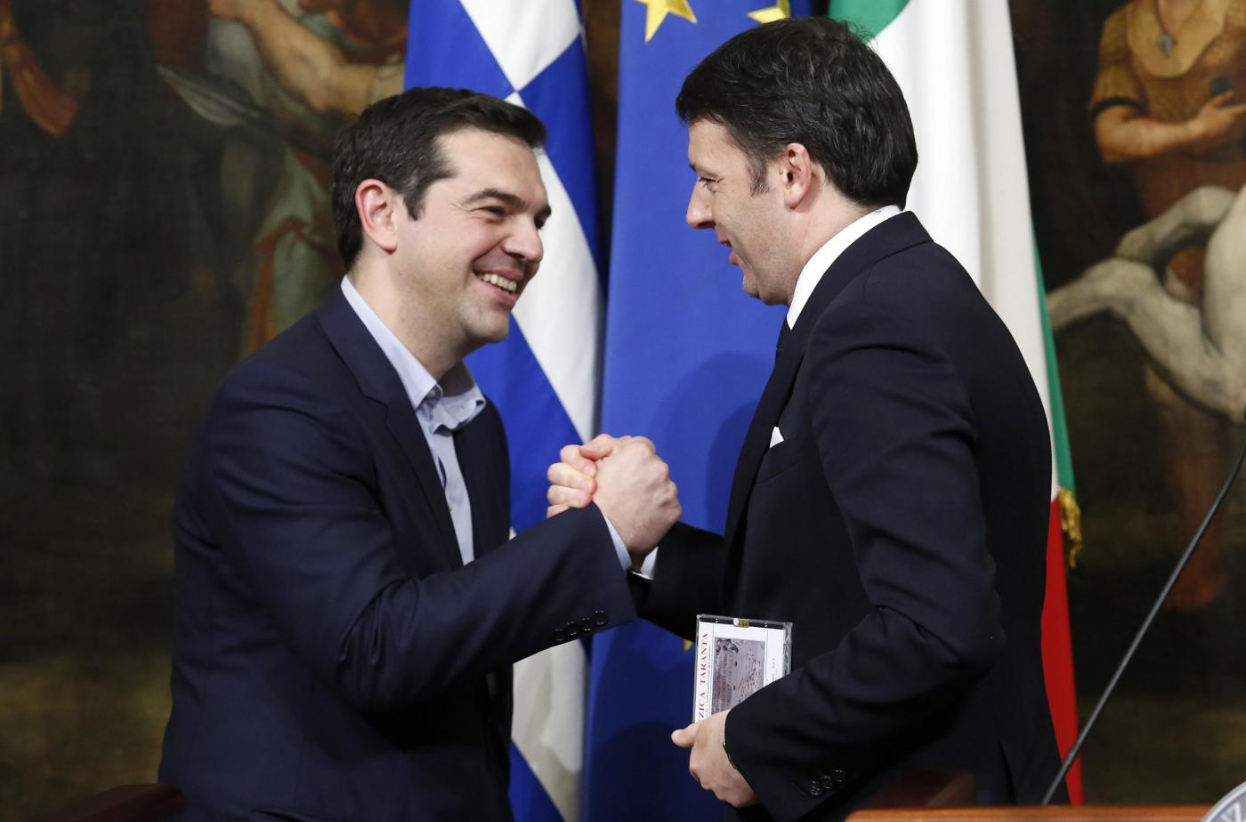 Tsipras da Renzi: 'Serve una nuova Europa della solidarietà'