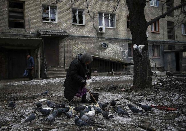 Ucraina news: ribelli annunciano il ritiro, Kiev lascia la città di Debaltsevo