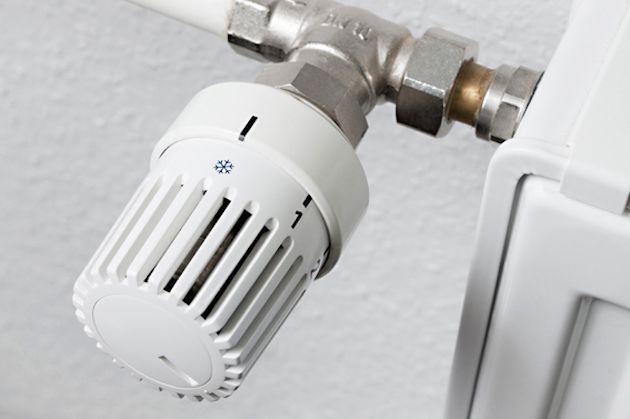 Valvole termostatiche sui termosifoni: multe dall'1 luglio per chi non ha i contabilizzatori