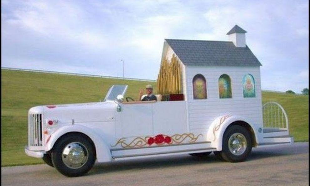 Le auto più bizzarre per un matrimonio