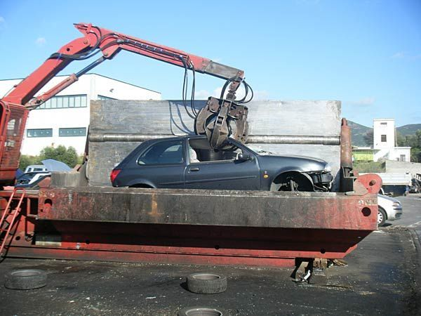 Demolizione auto foto