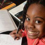 Genio della matematica a 10 anni: Esther frequenta l'università