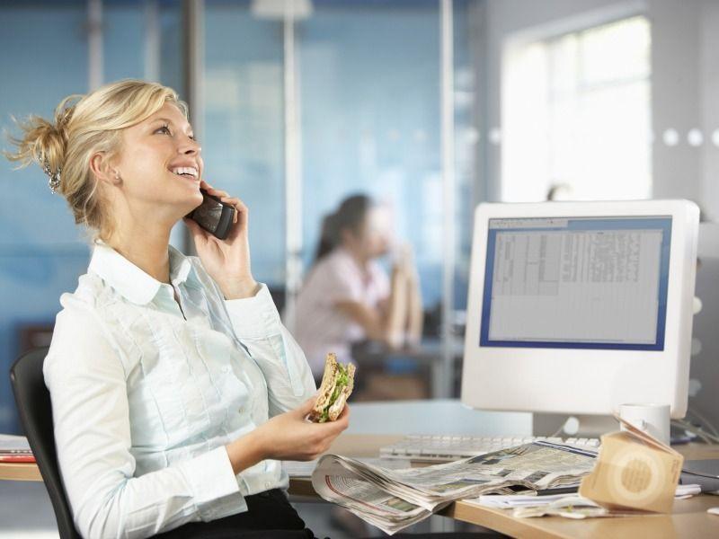 Cosa mangiare in ufficio: 10 consigli per non sbagliare