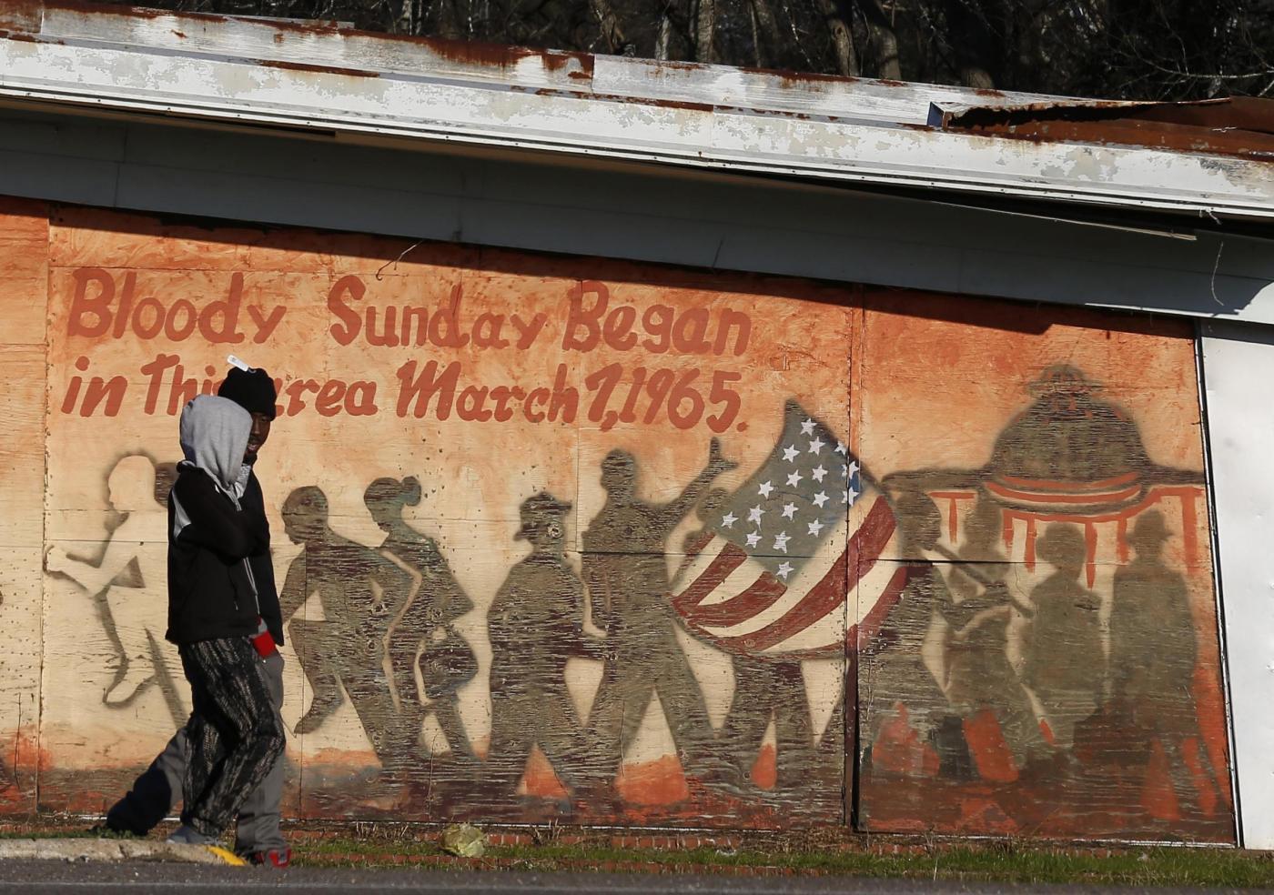 Polizia Usa uccide 19enne nero disarmato nell'anniversario della marcia di Selma sui diritti civili
