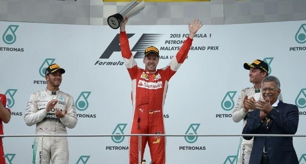 Vettel esulta