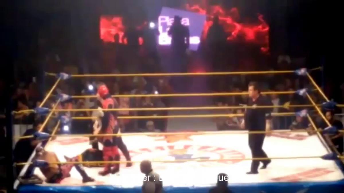 Wrestling El Hijo del Perro Aguayo ucciso accidentalmente da Rey Mysterio