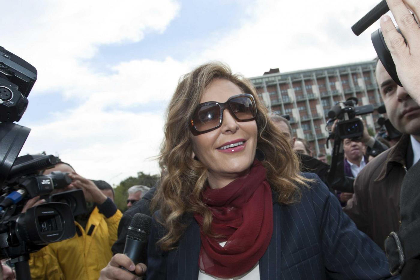 Daniela Santanché e la doppia gaffe sull'aereo caduto in Francia
