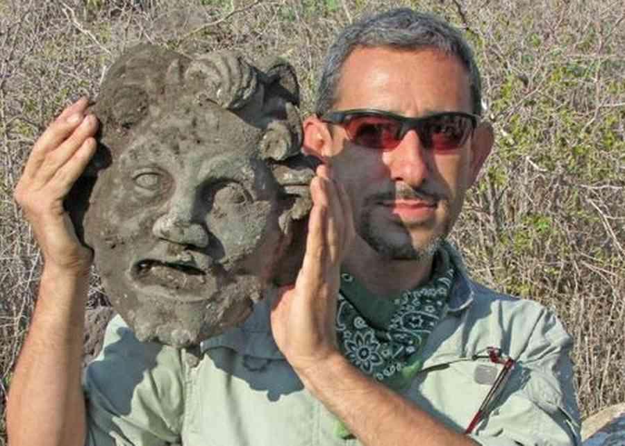 Maschera in bronzo del dio Pan ritrovata in Israele: la scoperta presso il lago Tiberiade