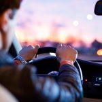Perché il conducente non soffre di mal d'auto?