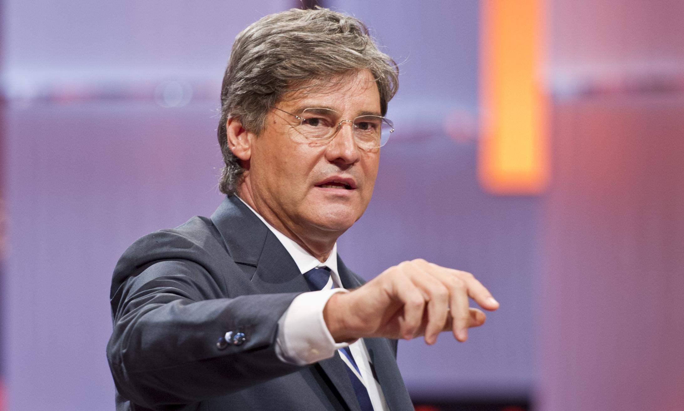 Paolo Del Debbio conduce Dalla Vostra Parte, il talk show che fidelizza lo spettatore