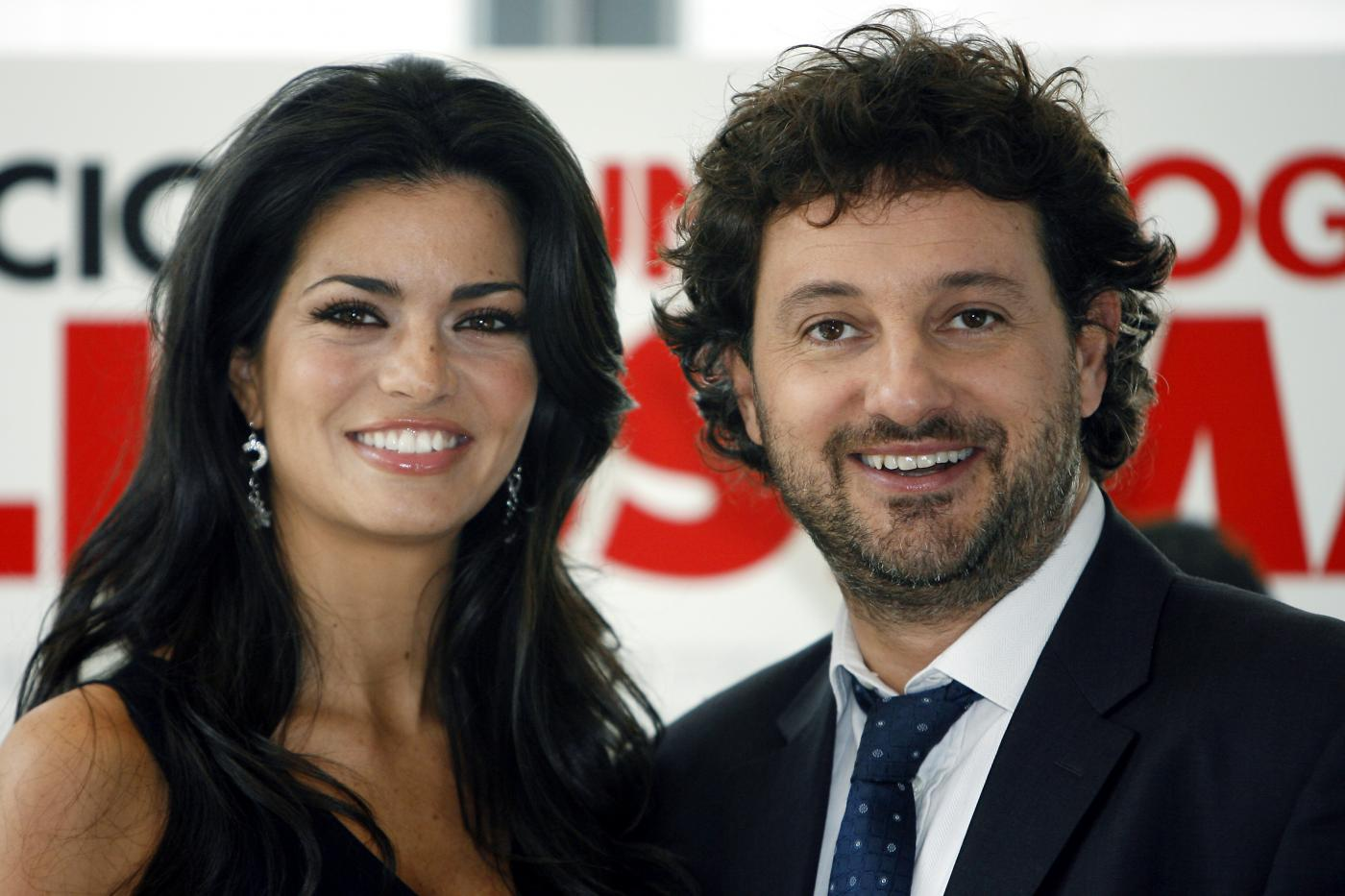 Leonardo Pieraccioni e Laura Torrisi insieme in vacanza sulla neve con la figlia Martina