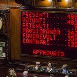 Riforma della Costituzione, Renzi ottiene il via libera della Camera