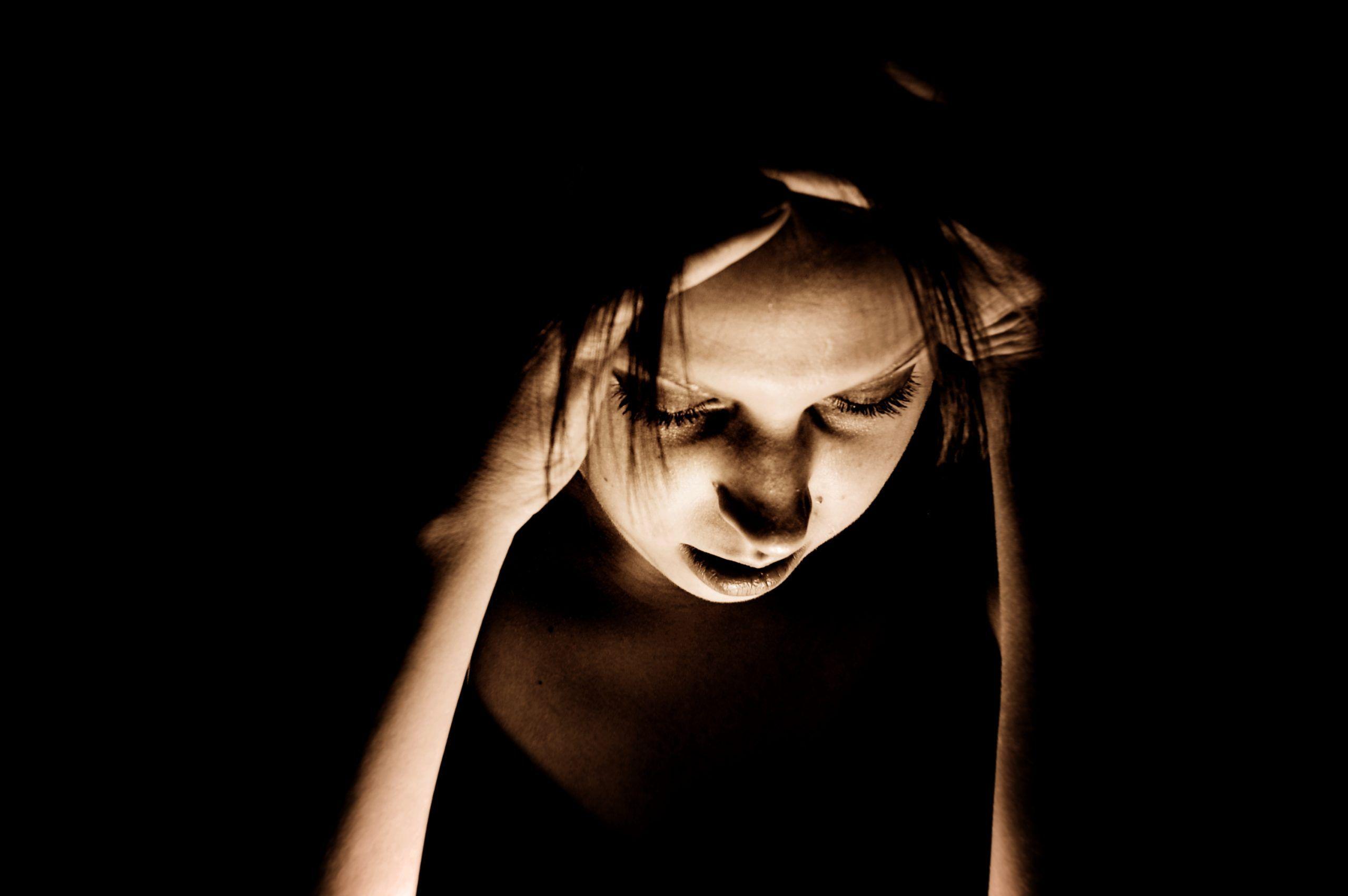 Soffre di mal di testa, i medici trovano un verme nel cervello