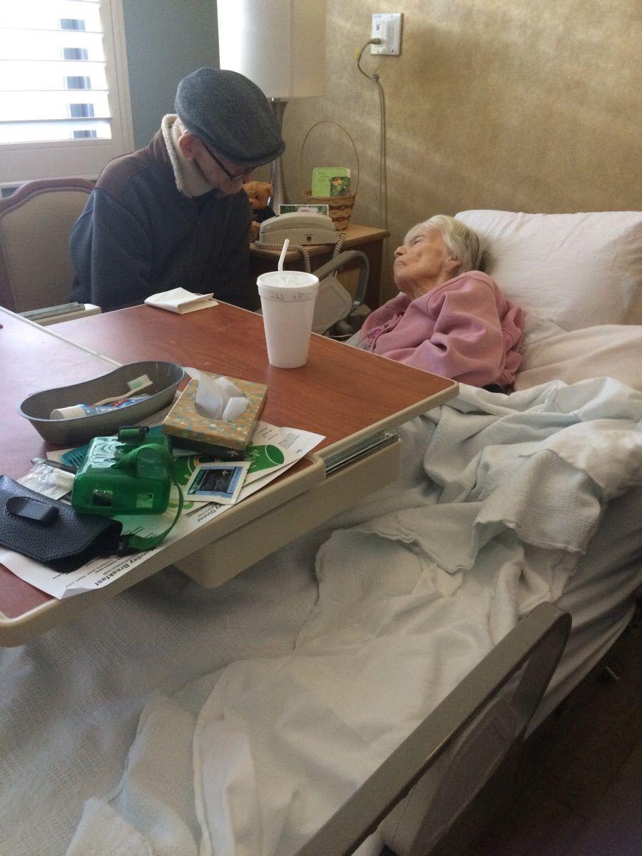 Sono anziani e malati ma non possono stare lontani