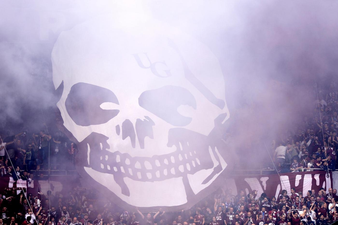 Derby Juve-Torino, bomba carta allo stadio: 12 feriti