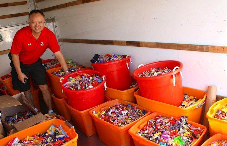 Dentisti promuovono la campagna di raccolta caramelle: 'Meno carie ai bambini più risorse ai soldati'