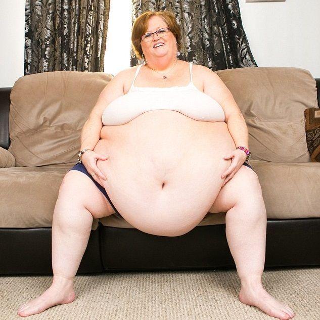 Pesa 190 kg e trova l'amore facendo la modella in webcam