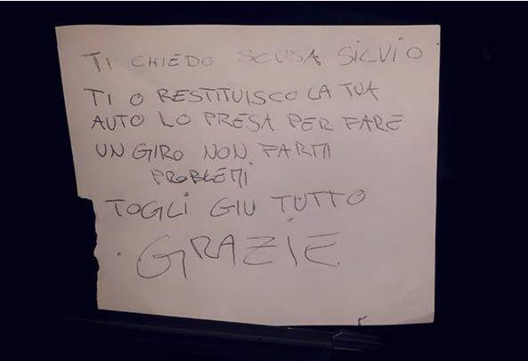 Le foto del ladro di auto girano in rete: lui si scusa e restituisce