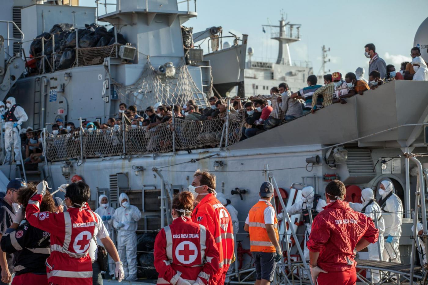 Come funziona l'immigrazione clandestina in Italia? Facciamo chiarezza