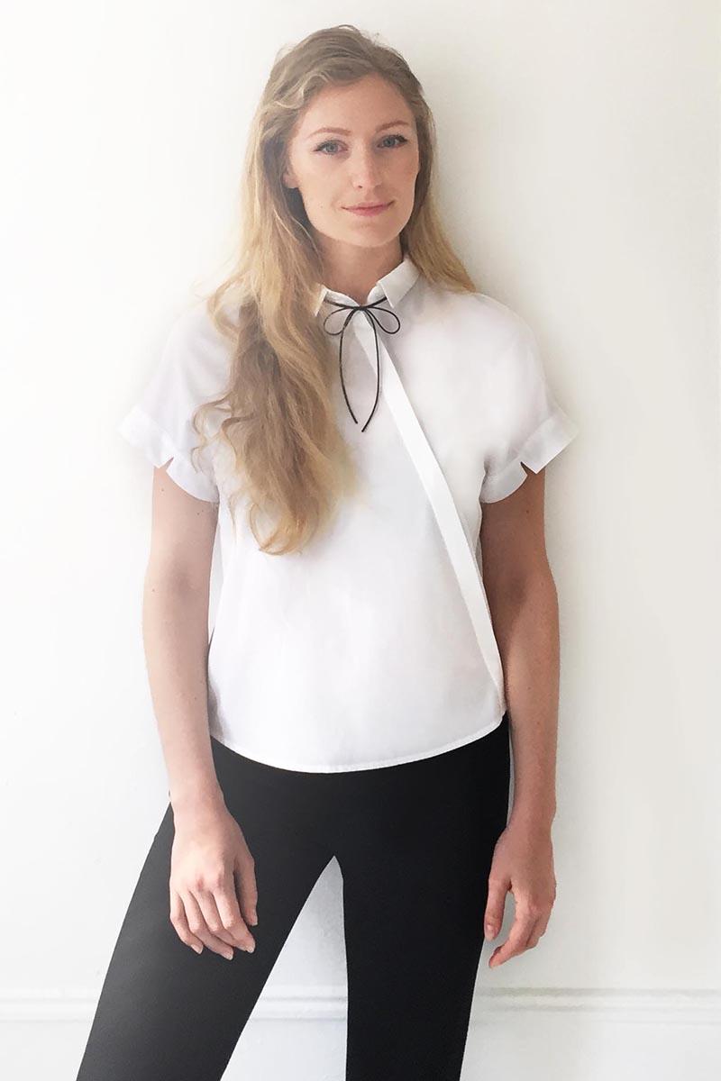La donna che indossa lo stesso vestito da tre anni