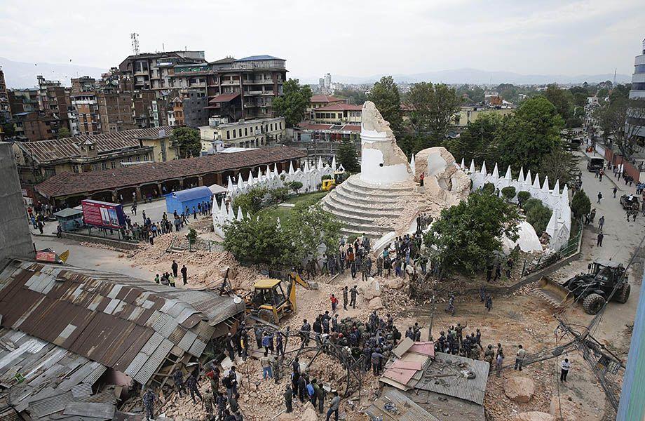 Torre Dharhahara distrutta
