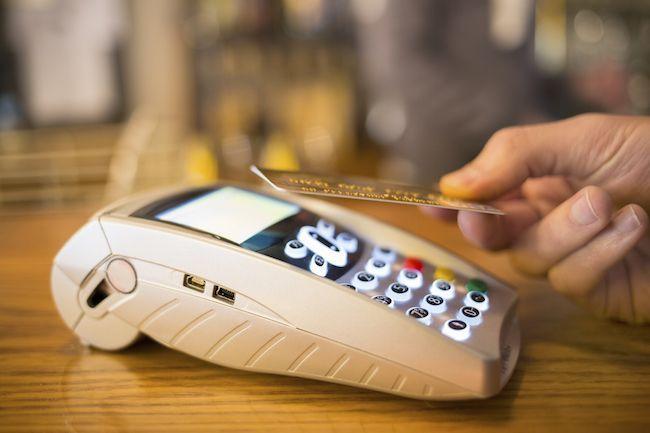 Evasione fiscale in Italia: la soluzione sono i pagamenti contactless