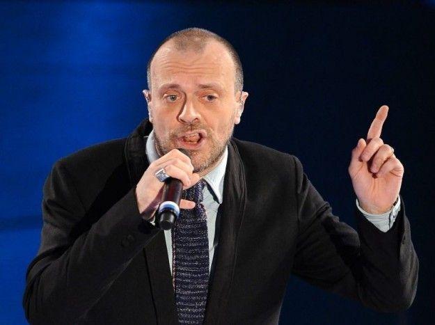 Max Pezzali È Venerdì nuovo singolo