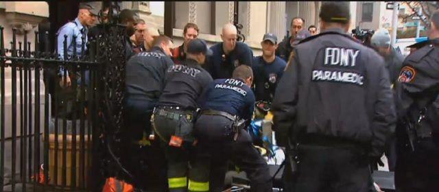 Malato deve andare in ospedale ma pesa troppo: pompieri al lavoro per 6 ore