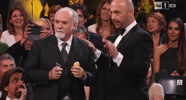 Striscia-MasterChef, Joe Bastianich e Antonio Ricci in un botta e risposta: la 'patata bollente' su Rai 1