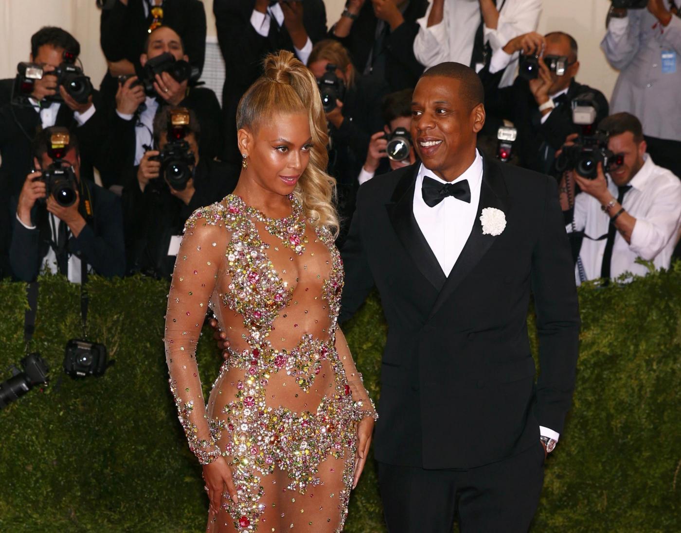 Met Gala 2015: il red carpet con Beyoncé, Rihanna e le altre stelle