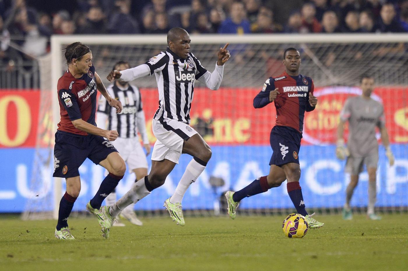 Juventus vs Cagliari 1-1 nell'anticipo: ritorno con gol per Pogba