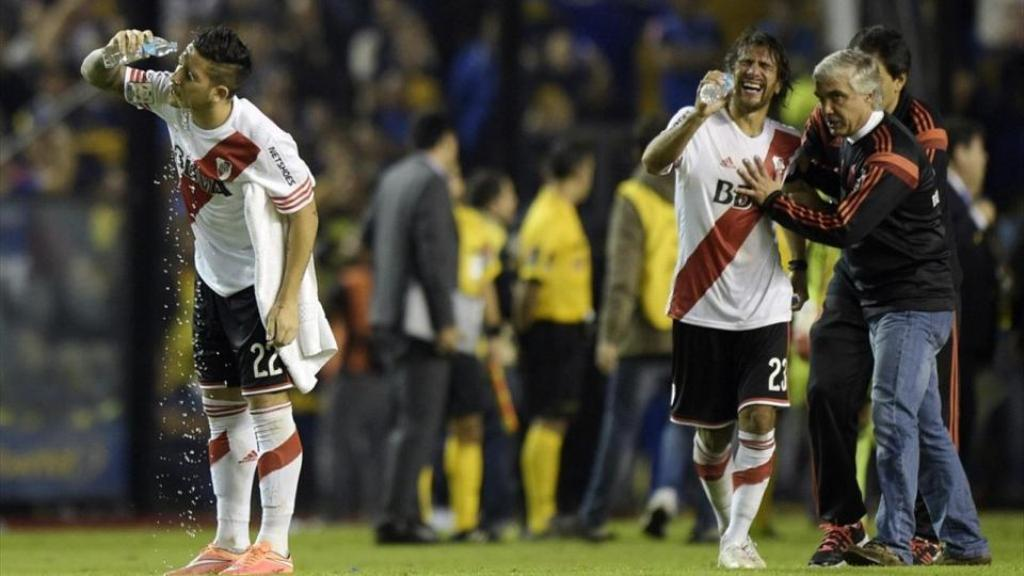 Copa Libertadores, giocatori del River Plate attaccati con spray urticante
