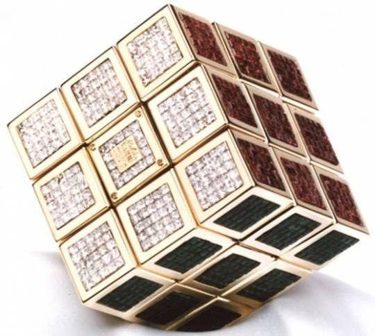 Cubo di Rubik in oro e pietre preziose ametiste rubini smeraldi