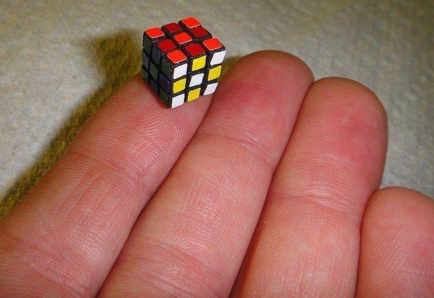 Cubo di Rubik piu piccolo al mondo di Evgeniy Grigoriev
