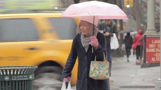 Kyoko Hamada si finge anziana per due anni (e scopre il peso della solitudine)
